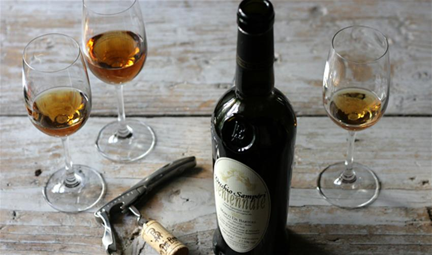 How many calories in a Fortified wine? (200-250 kcal)