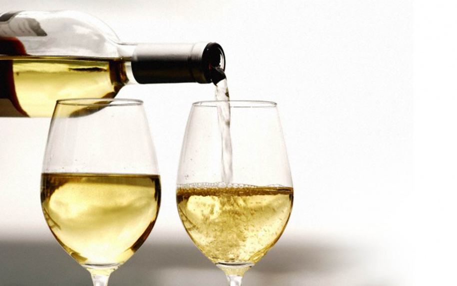 How many calories in a dry white wine? (60-85 kcal)