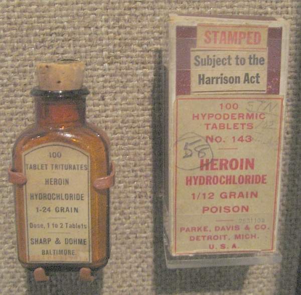 heroin medicine - tablet triturates heroin hydrochloride